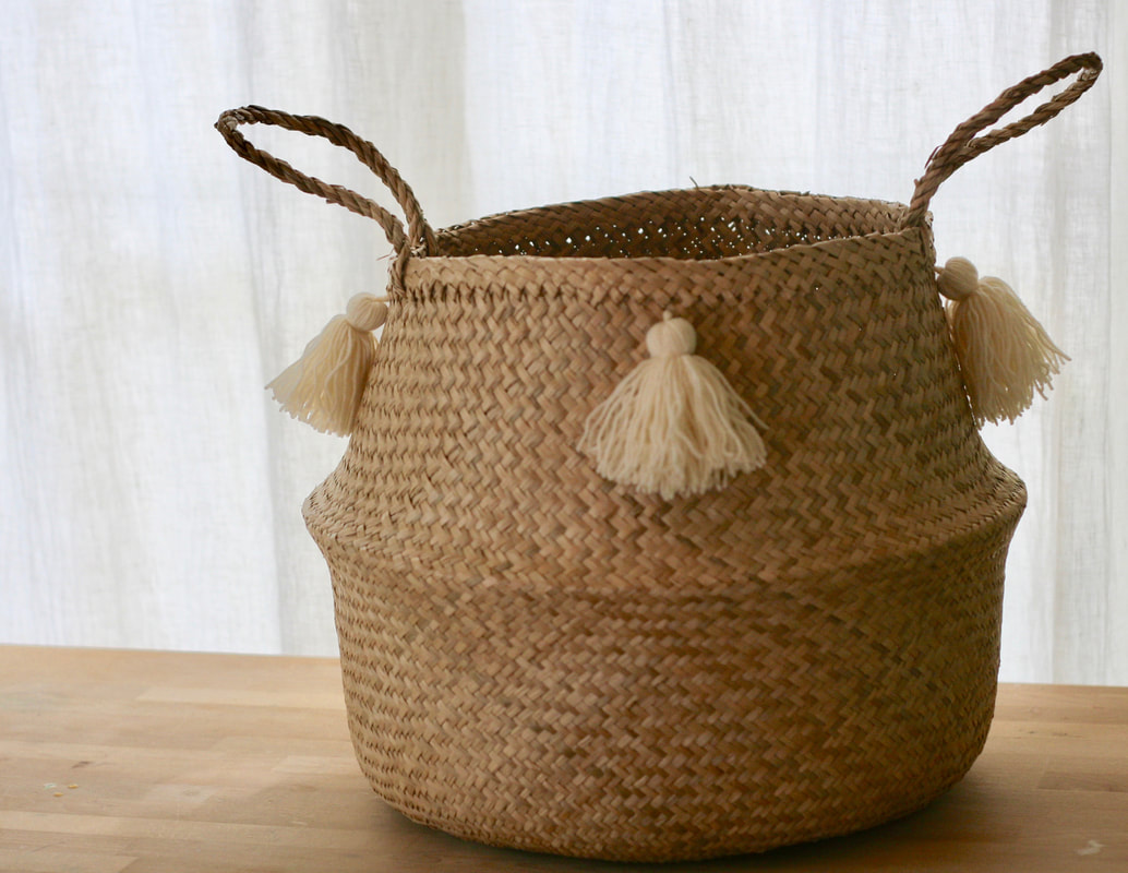 Seagrass basket with ivory tassels how-to
